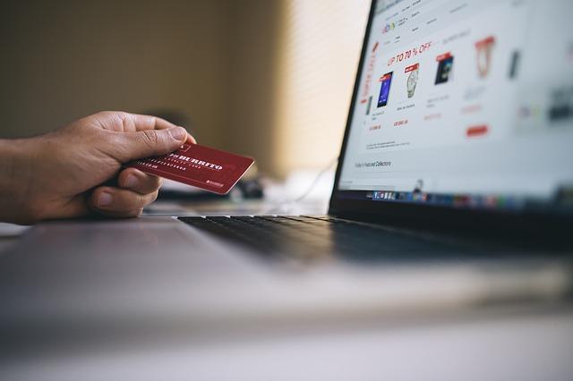 zakupy-czym-jest-program-lojalnosciowy-jak-zarabiac-na-okazjach