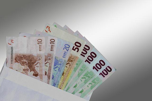 pieniadze-ile-mozna-zarobic-na-koncie-oszczednosciowym